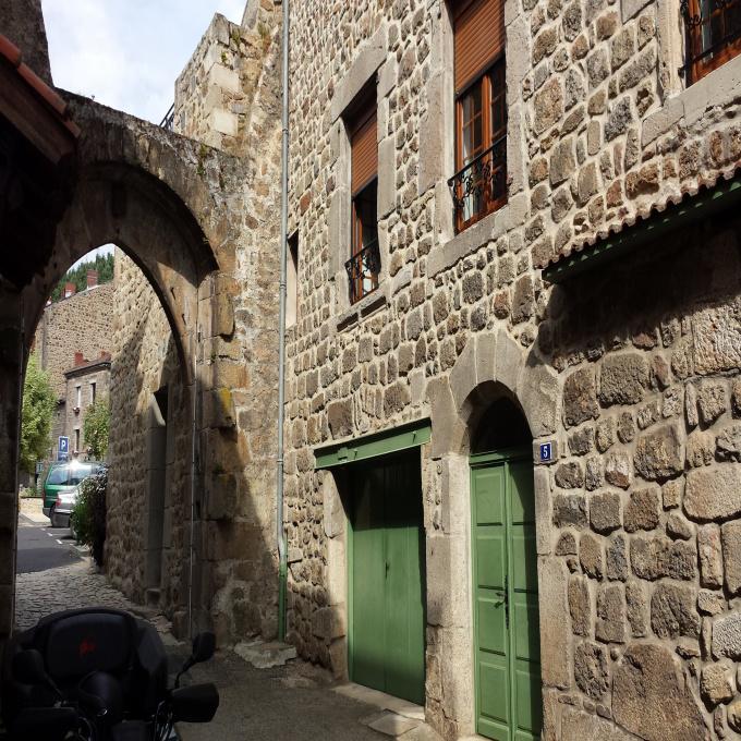 Offres de location Appartement Saint-Sauveur-en-Rue (42220)
